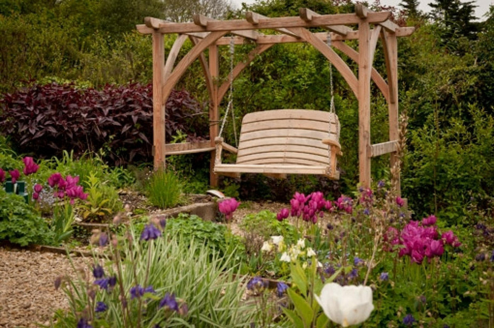 Bespoke Pergola And Arbour Swing Seats Uk Sitting