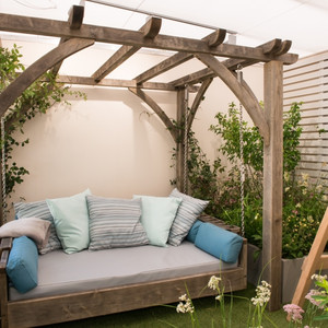 Swinging Day Bed Chelsea Flower Show
