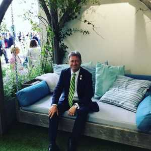 Alan Titchmarsh Swinging Day Bed