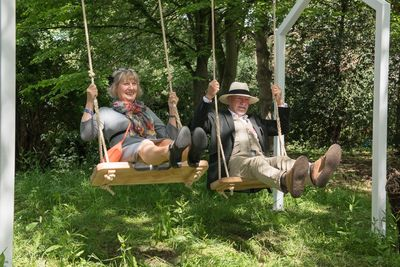 Celia & Martin get into the swing of things on our rope swings at Jardin Blanc