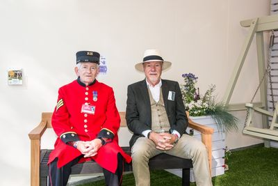 Chelsea Pensioner & Martin on The Floating Bench