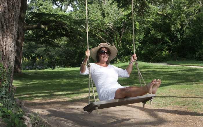tree swing oak tree swing wooden tree swings sitting spiritually. Black Bedroom Furniture Sets. Home Design Ideas