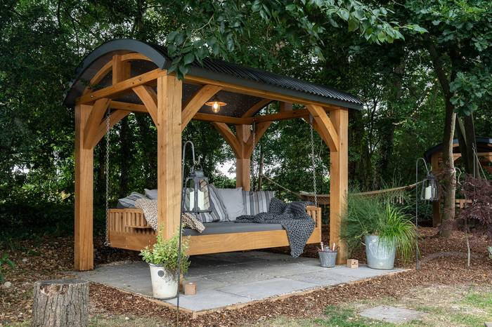 The Oak Canopy Swinging Day Bed
