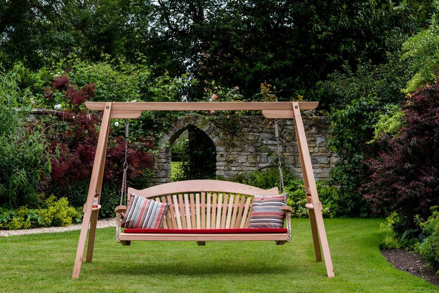 Garden Swing Seat in Western Red Cedar
