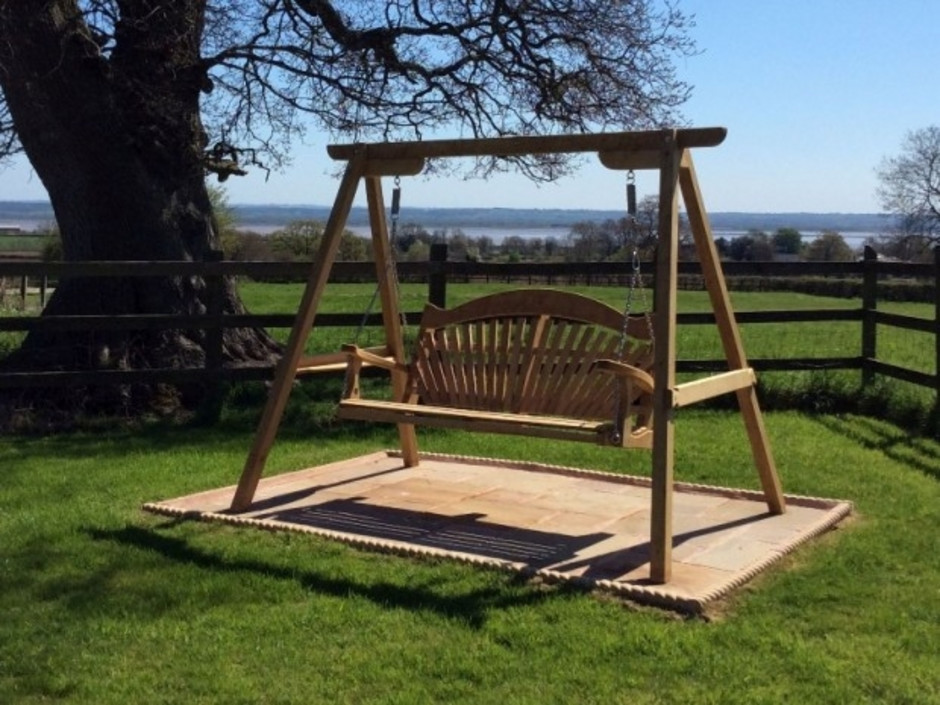 Tranquillity in oak sitting spiritually - Wooden garden swing seat plans perfect tranquility ...